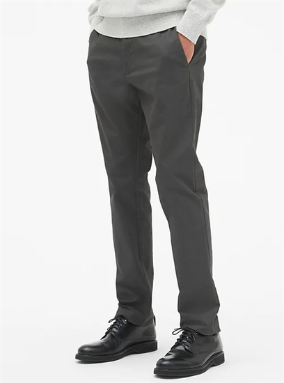 Gap Modern Khakis in Slim Fit with GapFlex in soft black